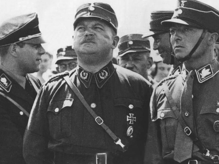 Schwule und Nazis, eine irre Zuneigung